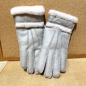 Lamb gloves